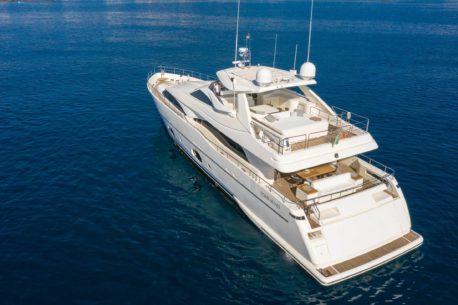 noleggio yacht Ferretti CL 97